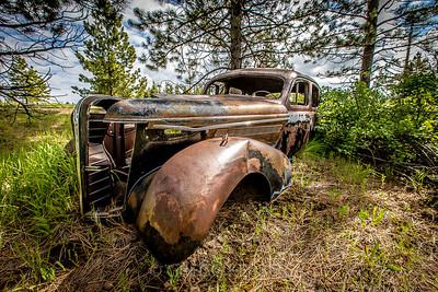 Old car near Flora
