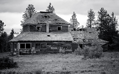 Abandoned house near Flora (Flora Ln just west of Hwy 3)