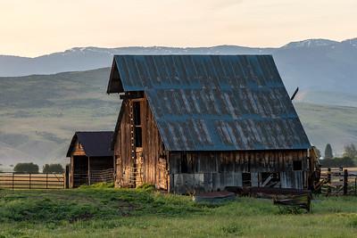 Barn in Halfway