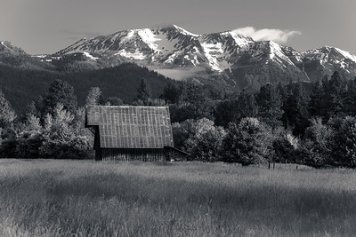 Wallowa mountains from Jim Town (B&W)