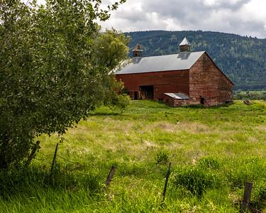 Barn near Lostine