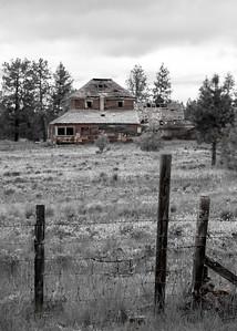 Old house near Flora