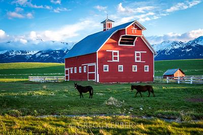 Classic barn near Joseph