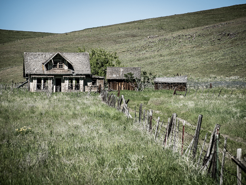 Old house on Cow Creek Rd south of Dorrance Barn