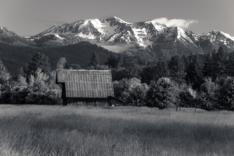Wallowa mountains from Jim Town (B&W)