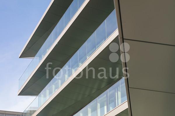 3 Glass Wharf