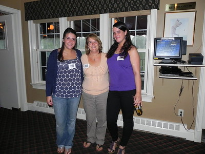 Allie Aloupis, Laurie Canning Pensiero and Maria Pensiero showing their support for World APS Day!