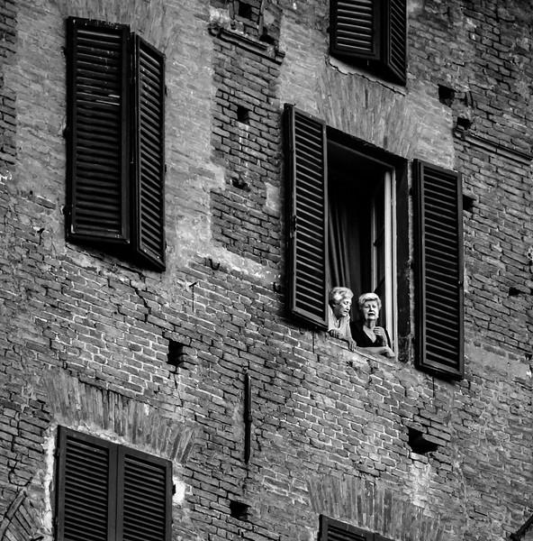 Social Media, Italian Style
