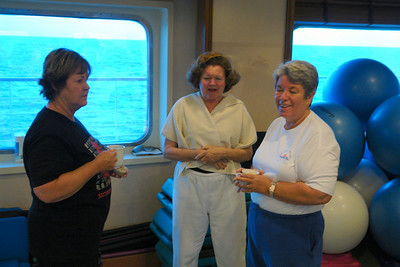 Dawn's exercise class has a farewell breakfast on next to last day of cruise.
