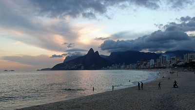 Ipanema at dusk - Rio de Janeiro, Brazil (2007). Copyright © 2007 Alex Emes