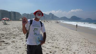 Beach vendor - Cobacabana Beach, Rio de Janeiro, Brazil (2007). Copyright © 2007 Alex Emes