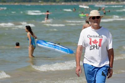 Fun at Sauble Beach, Ontario, Canada. Copyright © 2008 Alex Emes