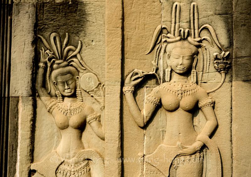Beautiful heavenly dancers at Angkor Wat