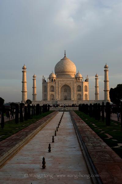 Taj Mahal shortly after sunrise