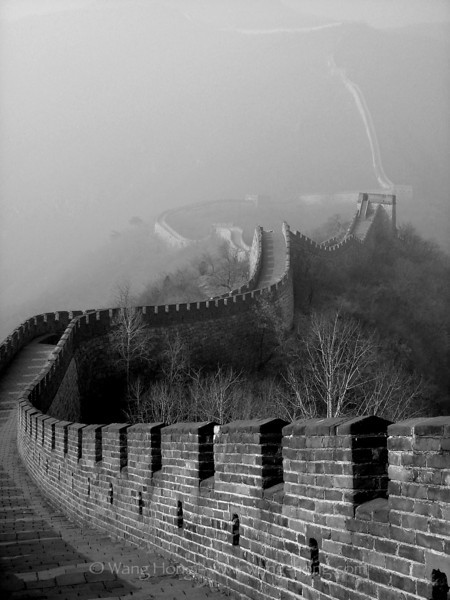 Mutianyu on a foggy winter day around the Chinese New Year, 2006 冬雾中的慕田峪长城,2006