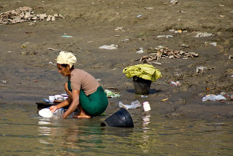 DISHING WOMAN