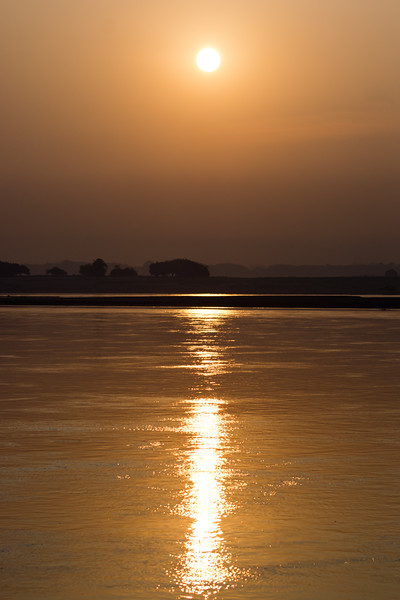 SURNRISE IRRAWADDY RIVER