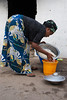 BAKAU 2014-01-10 Dinner preparation with family at home in the Gambia<br /> Photo Maria Langen / Sverredal & Langen AB