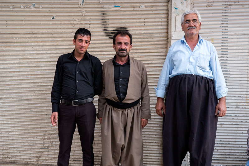 Sulemaniyah 20130915<br /> Three men - daily life in Sulemaniyah <br /> Photo Maria Langen / Sverredal & Langen AB