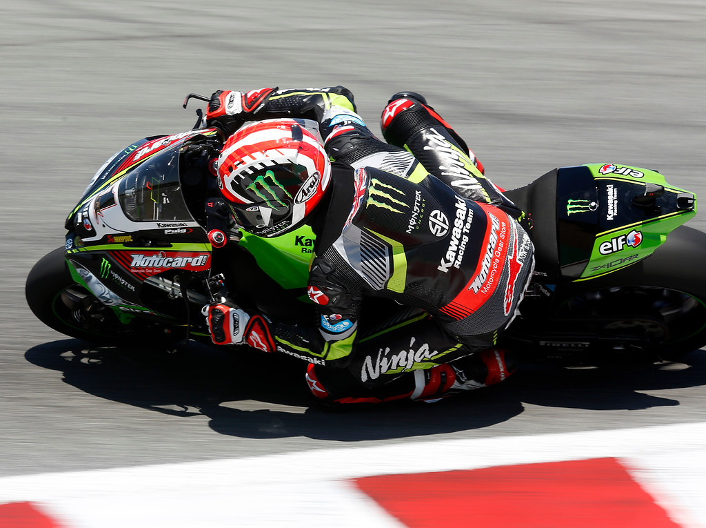 . Kawasaki Racing Teams Jonathan Rea of Great Britain drops into The Corkscrew on his way to winning Race 2 of the Superbike World Championship at Laguna Seca Raceway in Monterey on Sunday June 24, 2018. (David Royal/ Herald Correspondent)