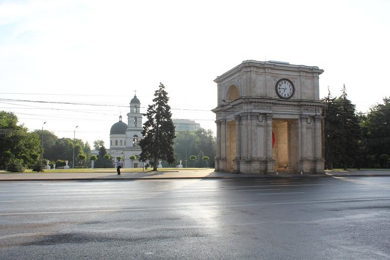 Triumphal Arch (Arcul de Triumf), Chisinau