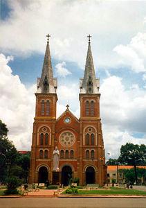 04 Notre Dame Cathedral (Saigon)