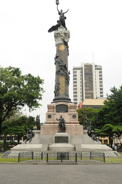 The Statue of Liberty in Parque Centrario, Guayaquil