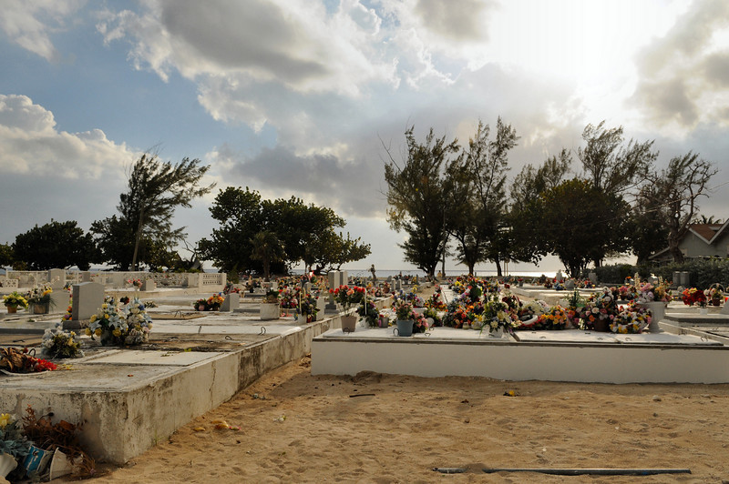 Cemetary Beach is approprirately named.  This cemetary is actually what you cut through to get to the beachfront!