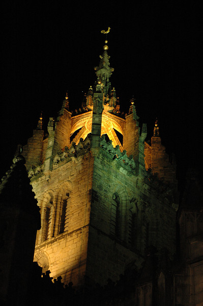 St. Giles Cathedral at night
