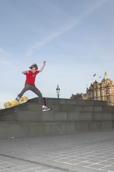 Another skater by the National Museum.