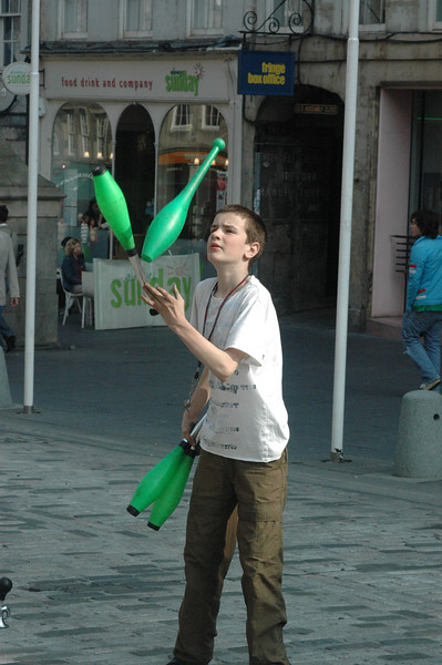 This kid was a solid juggle on the Mile.