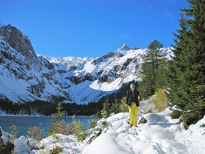 Hiking in Switzerland (snow: Oct 2011)