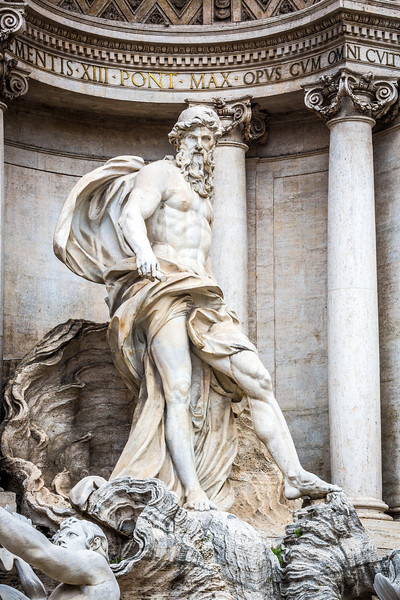Rome-Trevi Fountain-3901