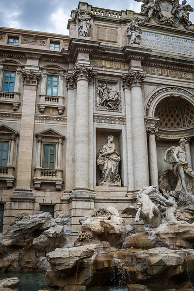 Rome-Trevi Fountain-3897