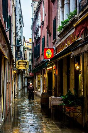 Venice-In the Rain-0898