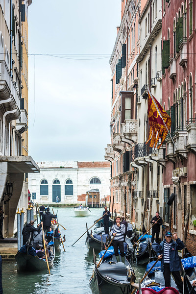 Venice-Gondolas-1008