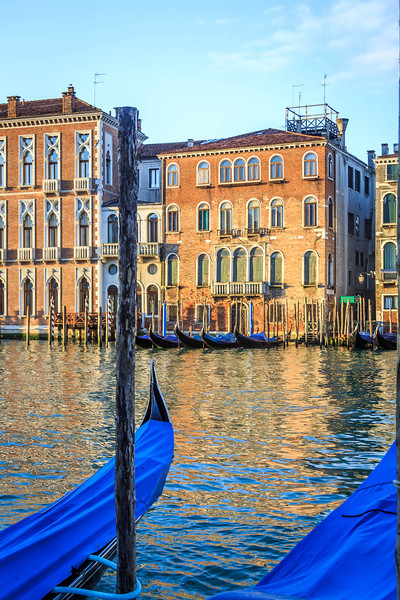 Venice-Day 3-Gondolas at Dawn-1770