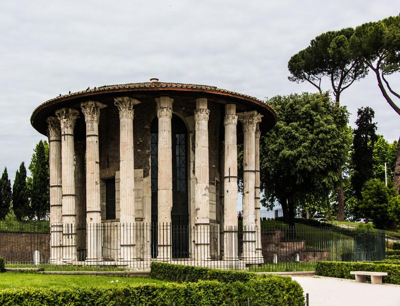 Rome-PiazzaSantaMaria-8423