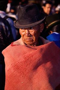 Wrap artist (Otavalo in 2004)