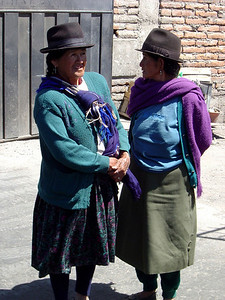 Ladies waiting for the bus in Latacunga