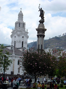 Old town Quito: Plaza Independencia (2004)
