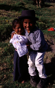 Brother conforting his younger sister (Otavalo in 2004)
