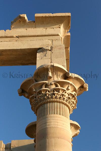 Trajan's Kiosk in detail_012