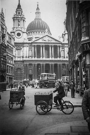 St Paul's Cathedral London (circa 1935)