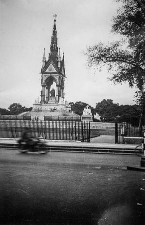 Prince Albert Memorial, London (Circa 1935)