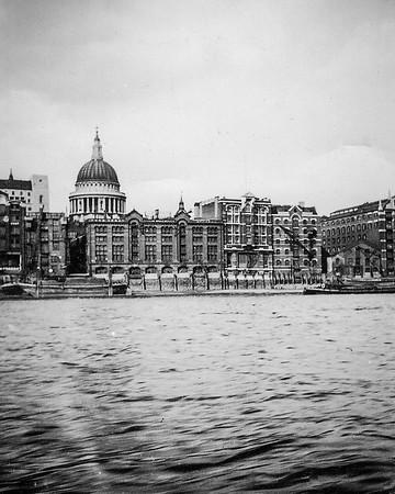 A boat trip down the Thames (Circa 1935))
