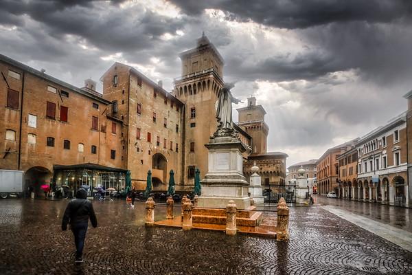 Piazza Savonarola, Ferrara