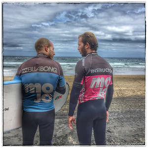 Surfers in discussion