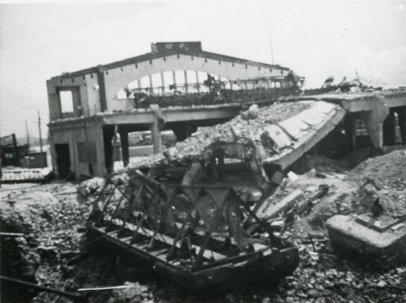 The destruction around the docks at LeHavre.