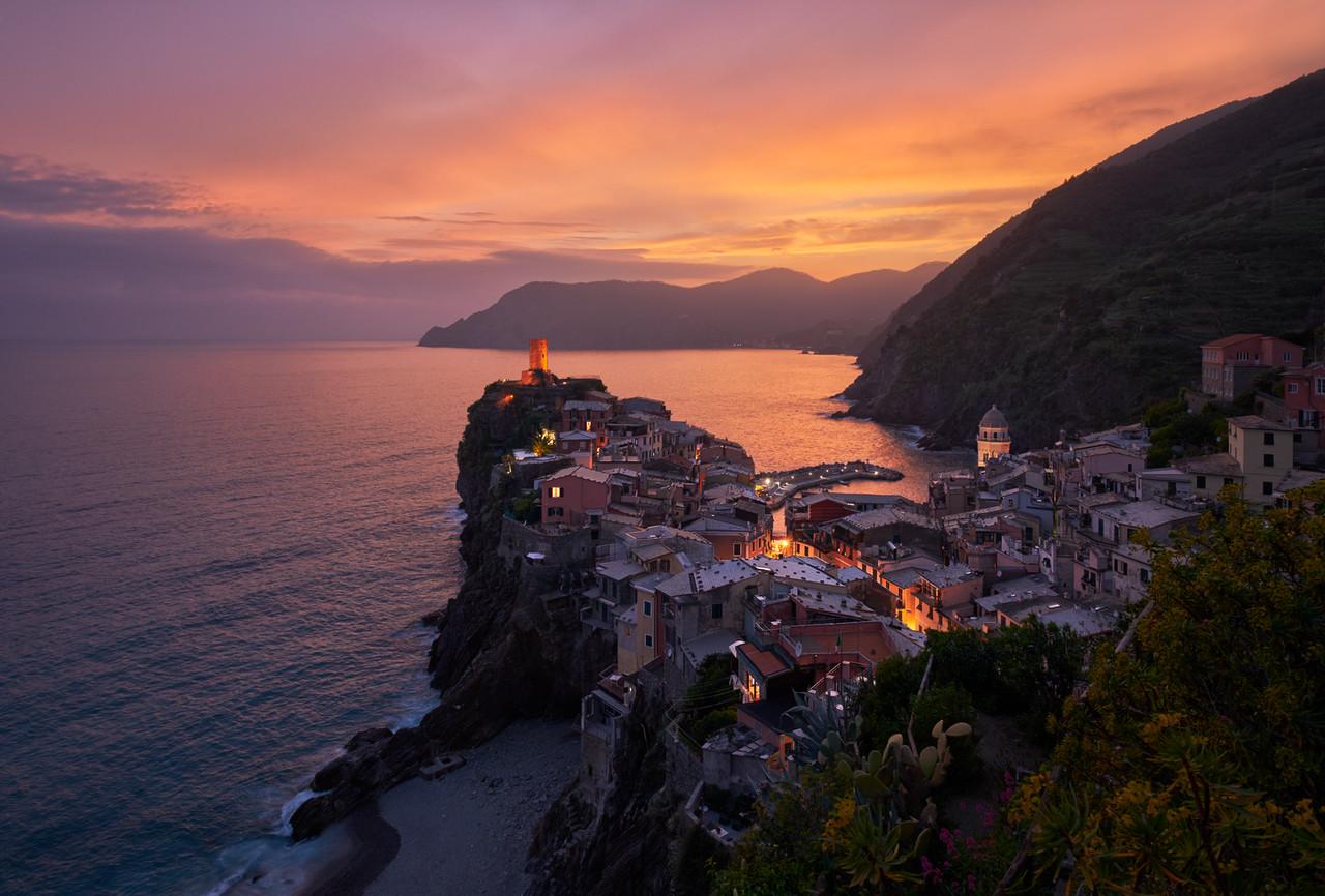 Softly Into The Night || Vernazza Italy